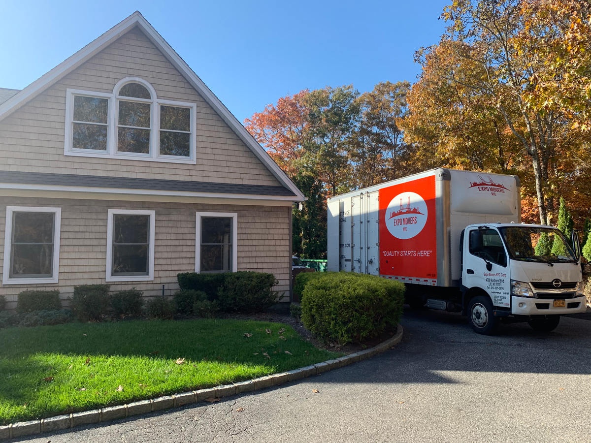 Expo Movers Truck